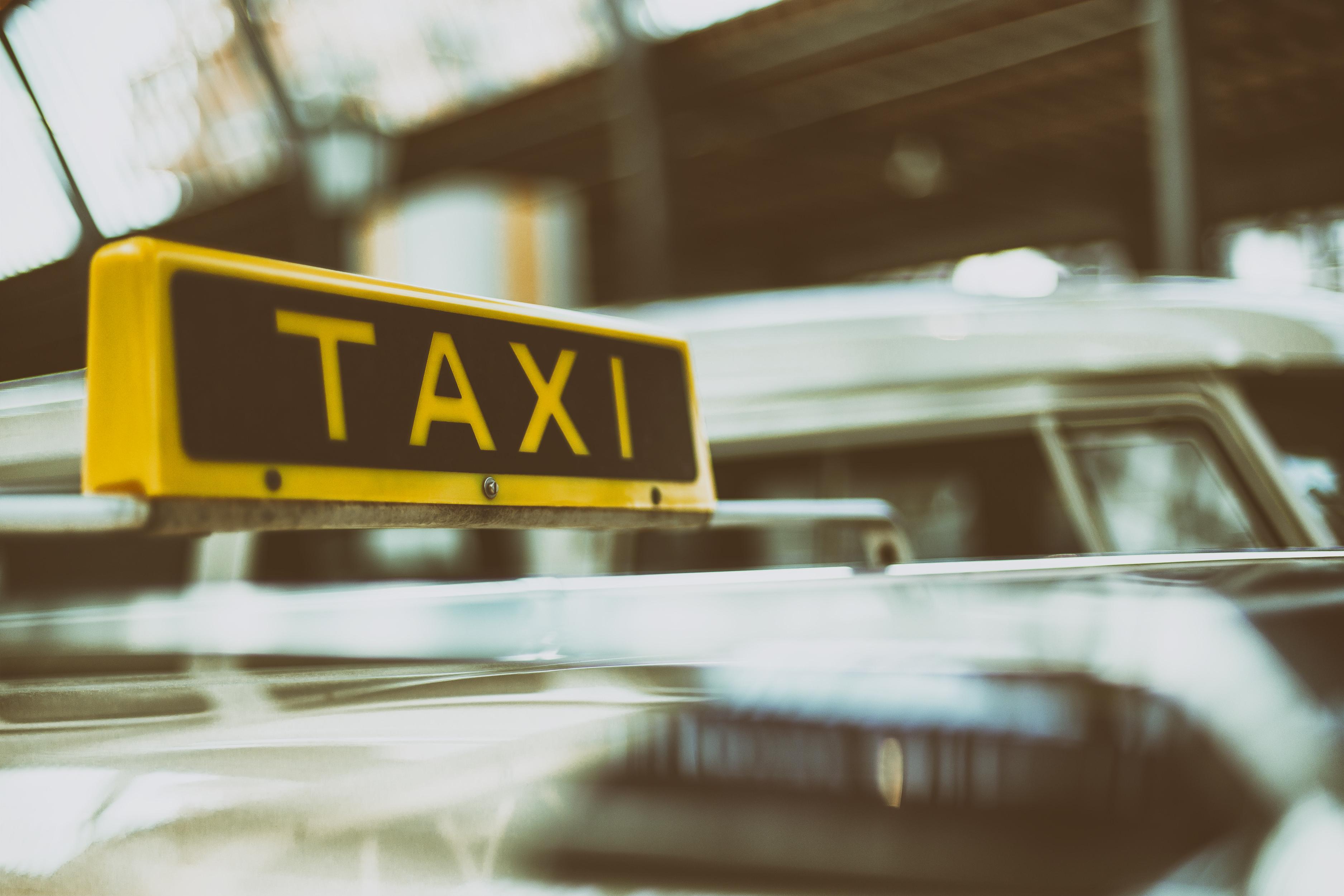 Taxiszolgáltatással kapcsolatos tájékoztatás